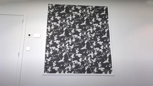 Conseil bricolage : papier peint et moulure